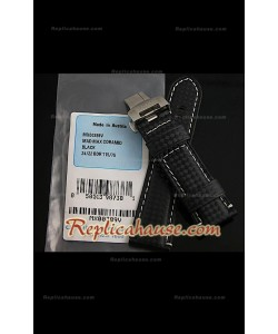 Bracelet en cuir Panerai avec un design carbone